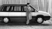 Moskvič Kruiz byl prvním reálným prototypem velkoprostorového vozu.