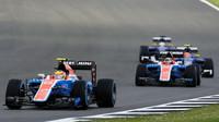 Rio Harjanto a Pascal Wehrlein v závodě v Silverstone
