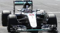 Lewis Hamilton vyhrává závod v Silverstone