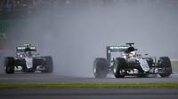Souboje týmových kolegů v Silverstone: Hamilton smazává náskok lídra Rosberga - anotační obrázek