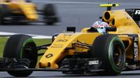 Jolyon Palmer v závodě v Silverstone