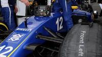 Kokpit vozu Sauber C35 - Ferrari před závodem v Silverstone