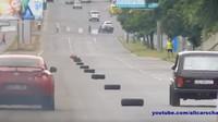 Lada Niva vs. Nissan GT-R