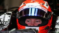 Nikita Mazepin při posledních sezónních testech v Silverstone, první den