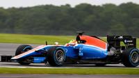 Rio Harjanto při posledních sezónních testech v Silverstone, první den