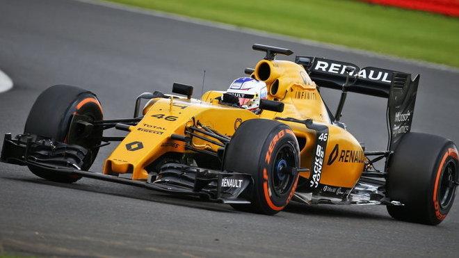 Renault letos závodí jen s lehce upraveným loňským autem