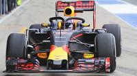 Pierre Gasly s Red Bullem otestoval v Silverstone 1. den ochranu kopitu typu Halo
