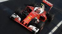 Kimi Räikkönen při sobotním tréninku v Maďarsku