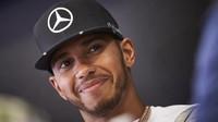 Hamiltonovi měl na krku hrozbu penalizace za incident v posledním tréninku - anotační foto