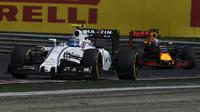 Valtteri Bottas a Daniel Ricciardo při sobotním tréninku v Maďarsku