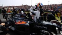 Fernando Alonso před závodem v Maďarsku