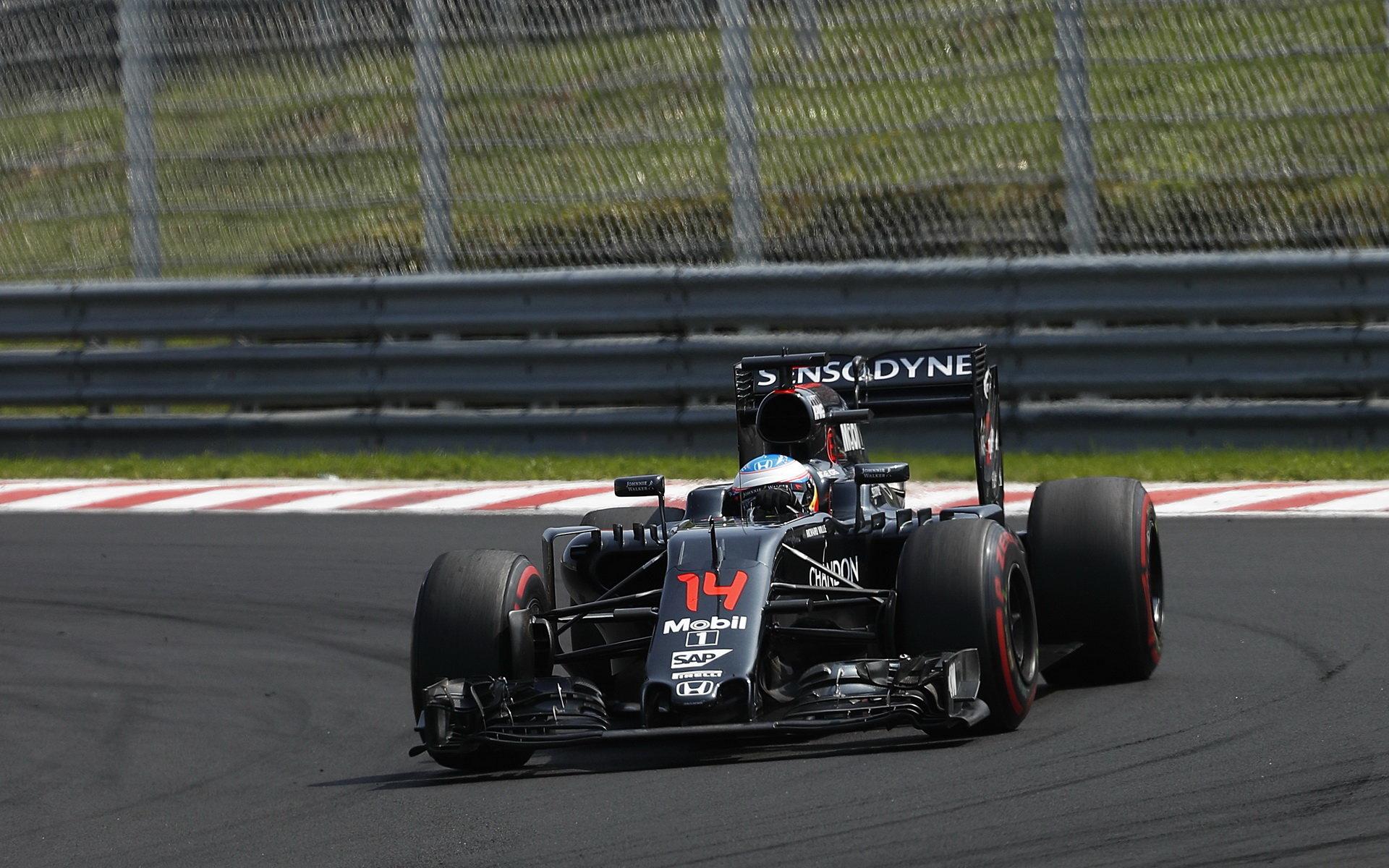 Alonso o Hamiltonovi: Rozhodně to není vstřícný parťák - anotační foto