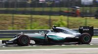 3. trénink opět pod taktovkou Mercedesů, Rosberg jen těsně na čele - anotační foto