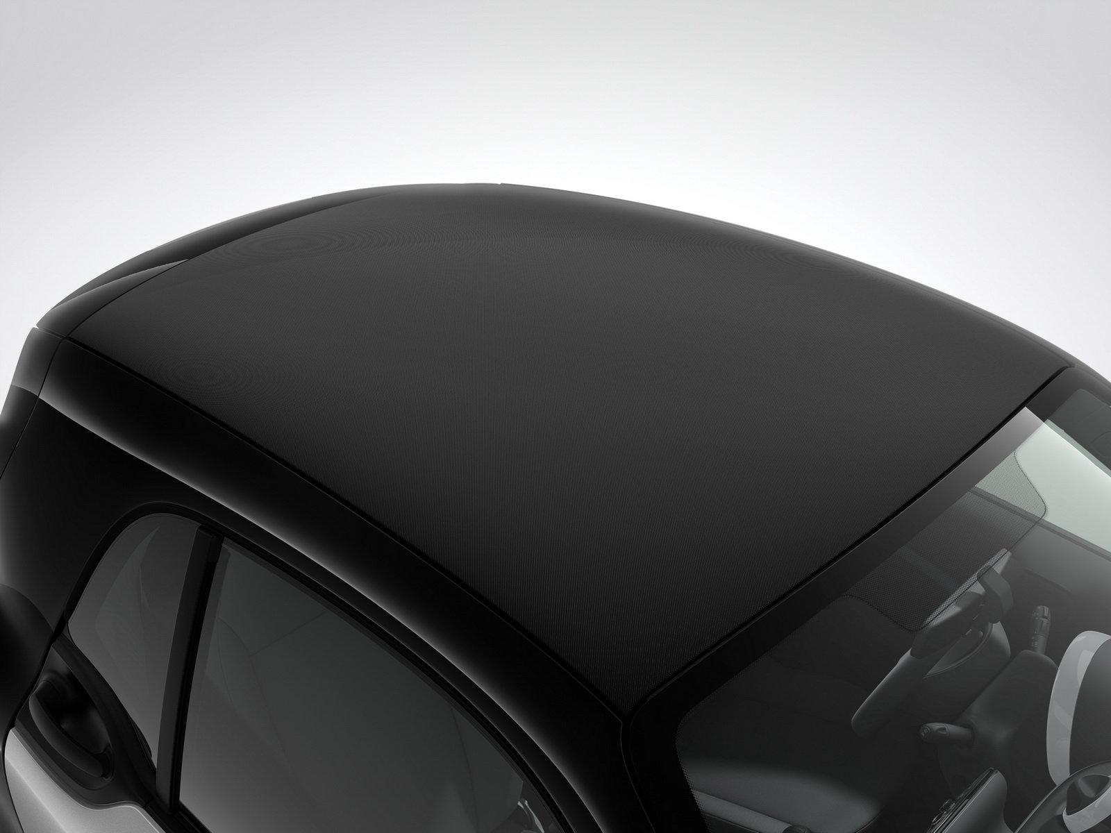 Smart ForTwo dostane plátěnou střechu, kabriolet z něj ale nebude - anotační foto