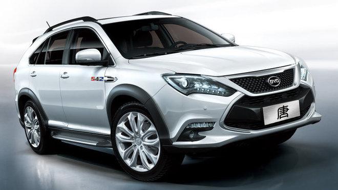 Samsung kapitálově vstoupil do čínské automobilky BYD (na snímku je SUV Tang).