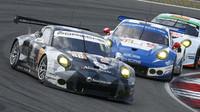 Vozy Porsche 911 RSR mají ve vytrvalostních závodech široké zastoupení