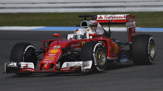 Sebastian Vettel věří, že se Ferrari zvedne a Red Bull v šampionátu porazí