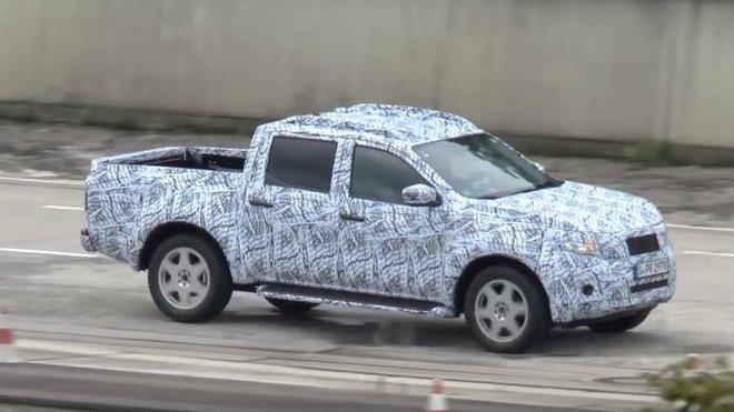 Mercedes-Benz GLT se podrobuje pečlivým testům. Nabídne hromadu luxusu - anotačné foto