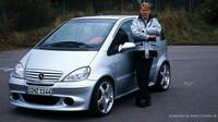 Mercedes-Benz A 190 Twin je dvoumotorovou variantou praktického hatchbacku.