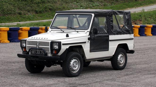Peugeot P4 je dvojčetem Mercedesu třídy G s francouzským motorem a převodovkou.
