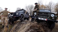 VIDEO: Land Rover Defender a UAZ Hunter v Krkonoších - anotační foto