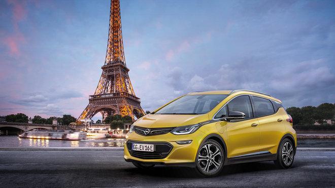 Opel Ampera-e míří v sériové podobě do Paříže.