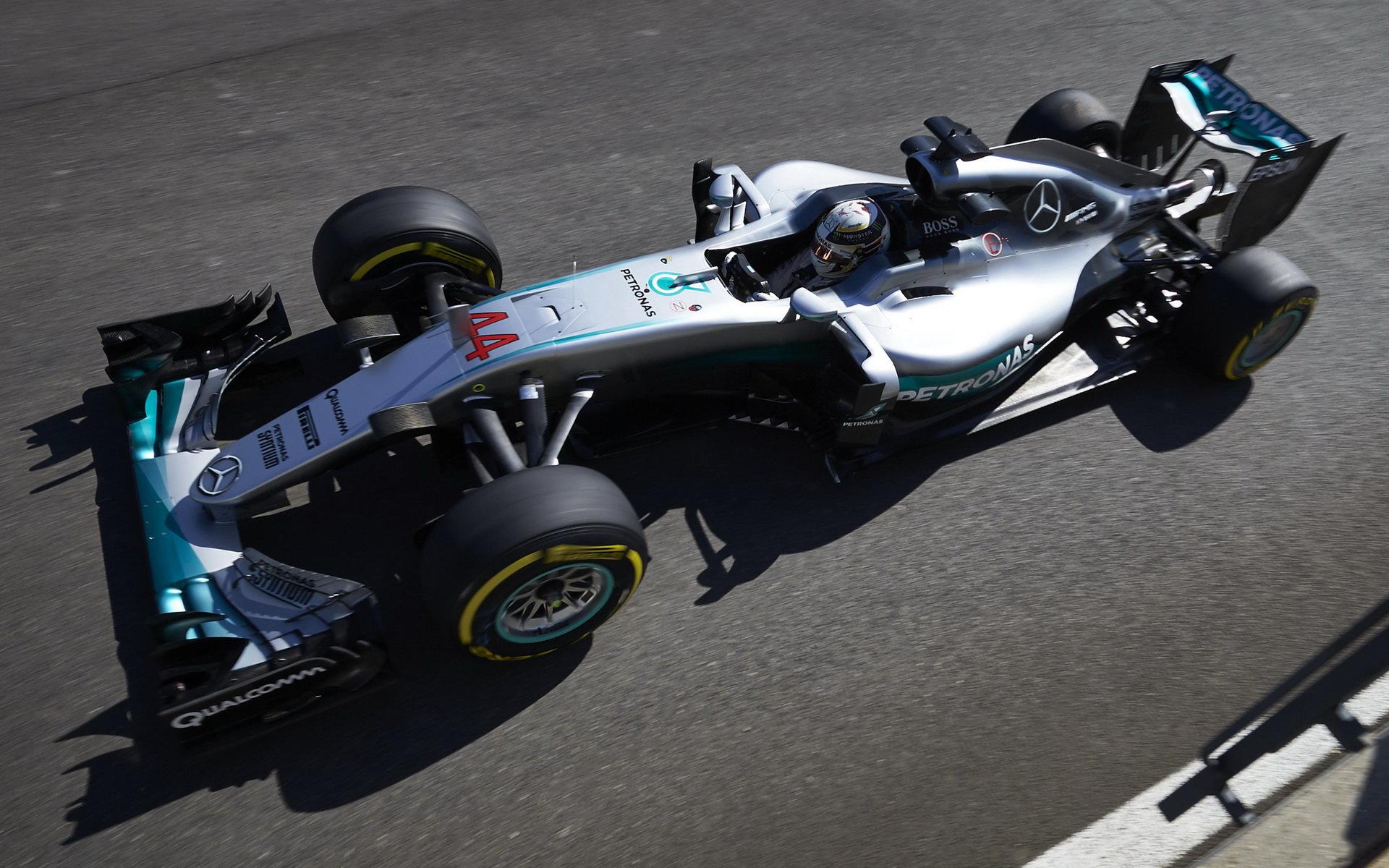 Hamilton odpoledne nejrychlejší, Ferrari nejbližším soupeřem Mercedesu - anotační foto
