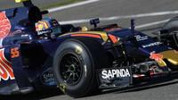 Carlos Sainz při pátečním tréninku v Belgii
