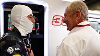 Max Verstappen a Helmut Marko při pátečním tréninku v Belgii