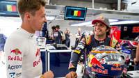 Carlos Sainz a Daniil Kvjat v Belgii