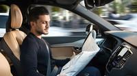 O systémy autonomního řízení mají zájem především majitelé prémiových vozů