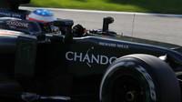 Fernando Alonso v závodě v Belgii