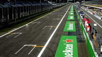 GRAFIKA: Startovní rošt v Monze po penalizaci Grosjeana - anotační obrázek