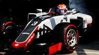 Romain Grosjean v kvalifikaci na Monze
