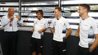 Ron Dennis, Fernando Alonso, Stoffel Vandoorne a Jenson Button v Monze