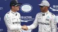 Nico Rosberg a Lewis Hamilton po kvalifikaci na Monze