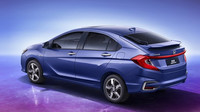 Honda Gienia je ukázkou konverze sedanu na podivně tvarovaný liftback.