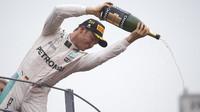 Nico Rosberg na pódiu po závodě na Monze