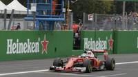 Sebastian Vettel v cíli závodu na Monze