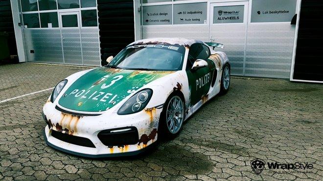 """Porsche Cayman v úpravě """"koroze"""""""
