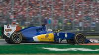 Marcus Ericsson v závodě na Monze