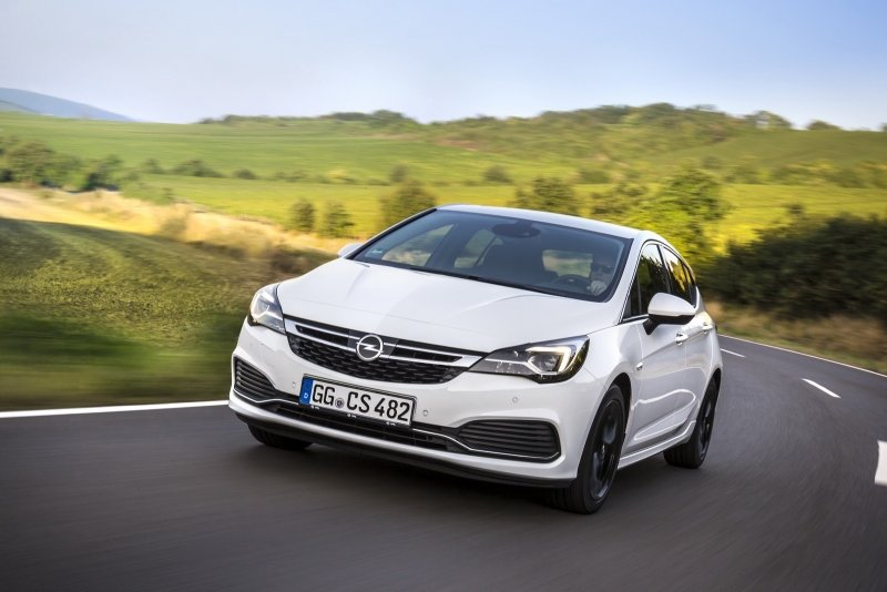 Opel Astra OPC Line (2016)