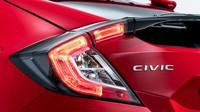 Do Paříže míří Honda Civic desáté generace s karosérií hatchback.