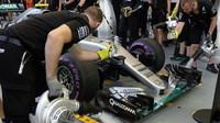 Nico Rosberg při pátečním tréninku v Singapuru