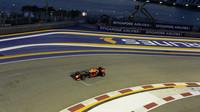 Max Verstappen v Singapuru