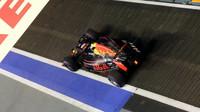Daniel Ricciardo při pátečním tréninku v Singapuru