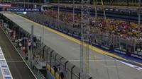 GRAFIKA: Startovní rošt v Singapuru po penalizaci Péreze a Grosjeana - anotační obrázek