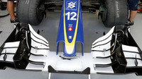 Přední křídlo vozu Sauber | Sauber C35 - Ferrari při pátečním tréninku v Singapuru