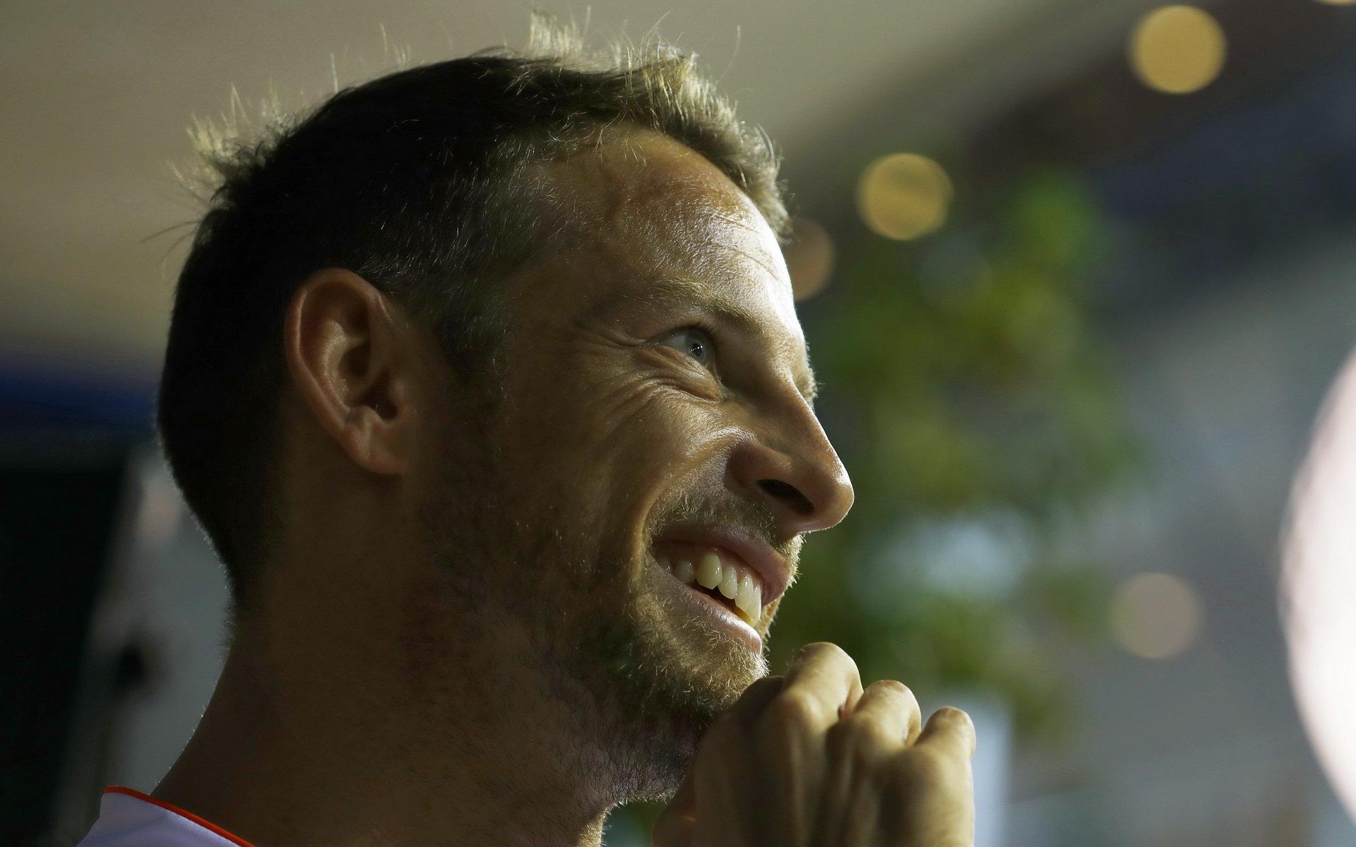 Button o víkendu absolvuje svůj 300. závod. Dostane nový motor? - anotační obrázek