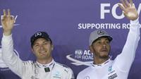 Nico Rosberg a Lewis Hamilton po kvalifikaci v Singapuru